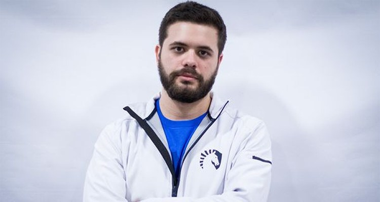 HungryBox has Broken Finger